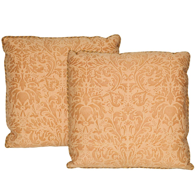 Pair of Fortuny Fabric Cushions in the Lucrezia Pattern For Sale