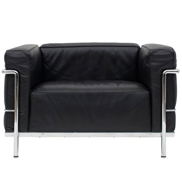Le Corbusier LC3 Poltrona Lounge Chair Black For Sale at 1stdibs