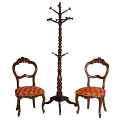 Mid 19th Century entrance side chairs, baroque style Louiss Fhilippe, in walnut