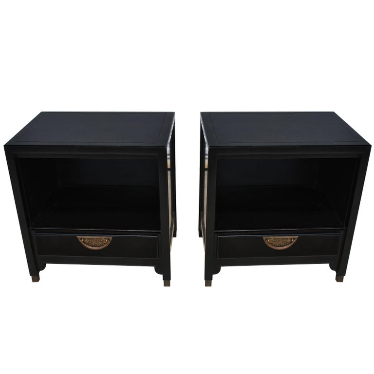 Pair of Ebonized Chin Hua Mid-Century Nightstands by Century For Sale