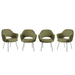 Set of Four Reupholstered Saarinen Executive Chairs for Knoll, circa 1960s