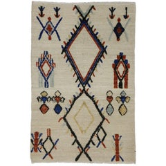 High and Low Texture Rug with Moroccan Tribal Style