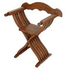 Mid-20th Century Renaissance Savonarola Chair in Blond Walnut Polished to Wax