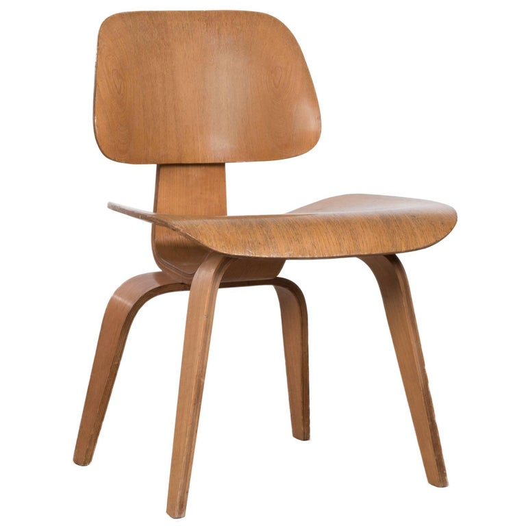Eames DCW Ash Dining Chair for Herman Miller For Sale at  : DCW1702Ash001Aorgmaster from www.1stdibs.com size 768 x 768 jpeg 41kB