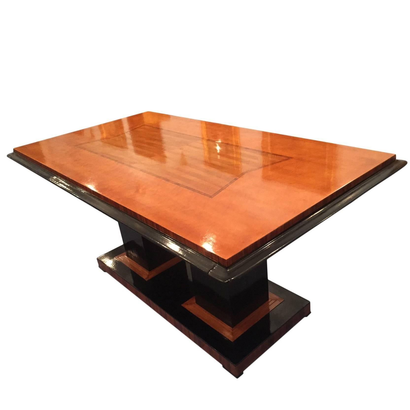 Italian Art Deco Dining Table in Maple with Decoration, 1940s