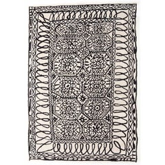 Black on White Estambul Hand-Tufted Wool Rug by Javier Mariscal Large