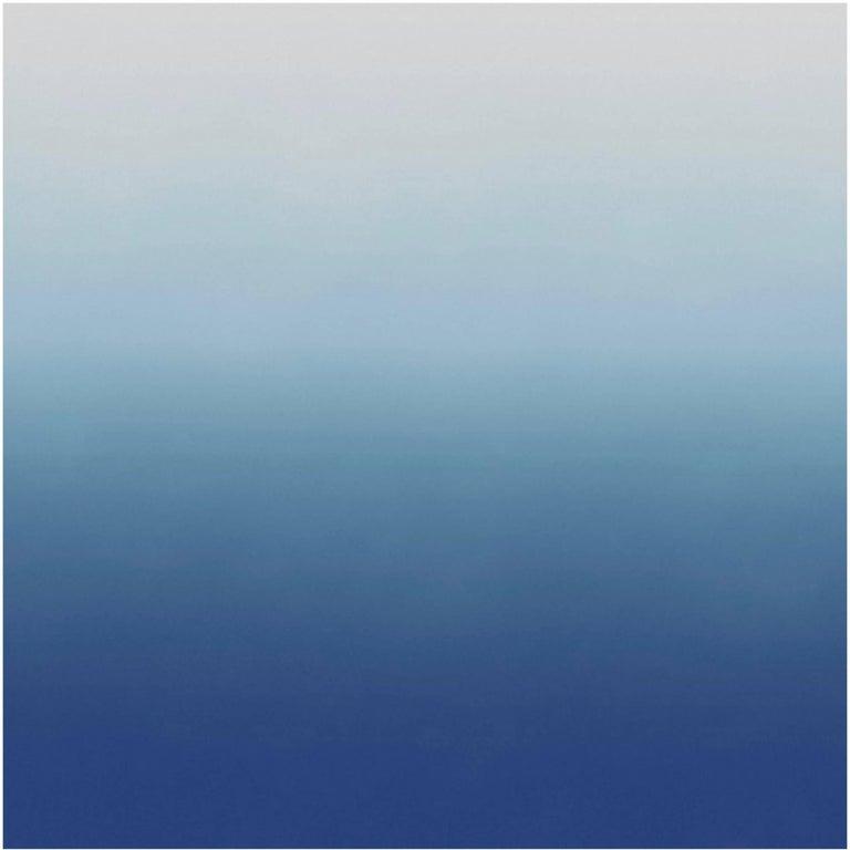 Aurora Azure Wallpaper in Light Blue to White Gradient