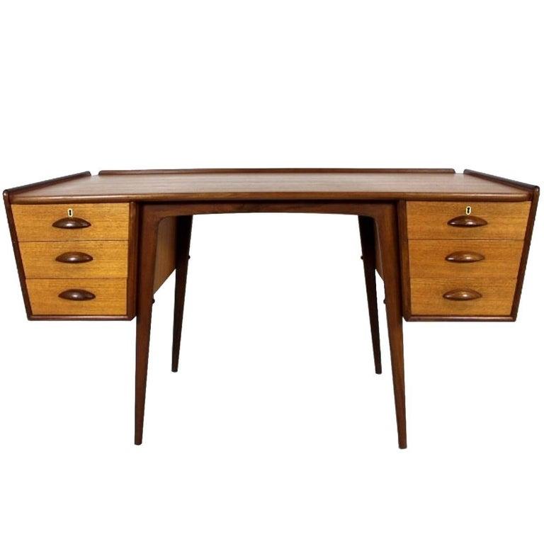 scandinavian modern teak desk pl uddebo design by svante skogh at 1stdibs. Black Bedroom Furniture Sets. Home Design Ideas
