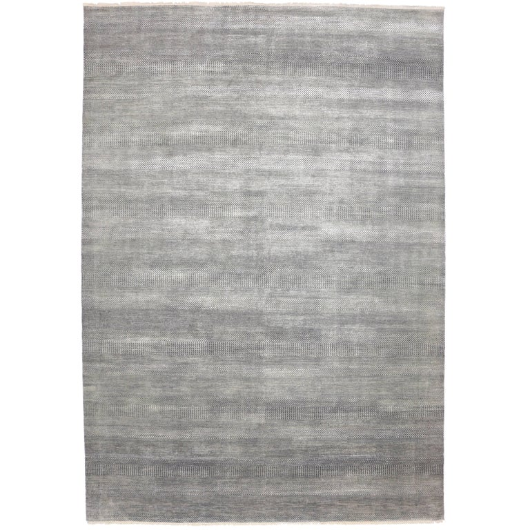 Minimalist Colorful Rug Designs: Transitional Gray Area Rug With Minimalist Style