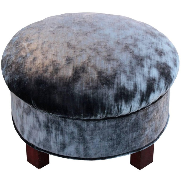 french art deco period round pouf for sale at 1stdibs. Black Bedroom Furniture Sets. Home Design Ideas