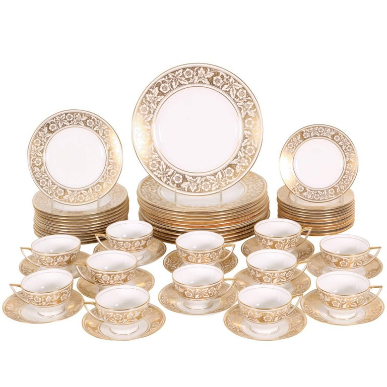 Minton Harmony Pattern English Bone China Dinner Service for 12 For ...