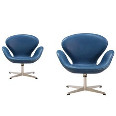 "Pair of Arne Jacobsen Leather ""Swan"" Chairs for Fritz Hansen"