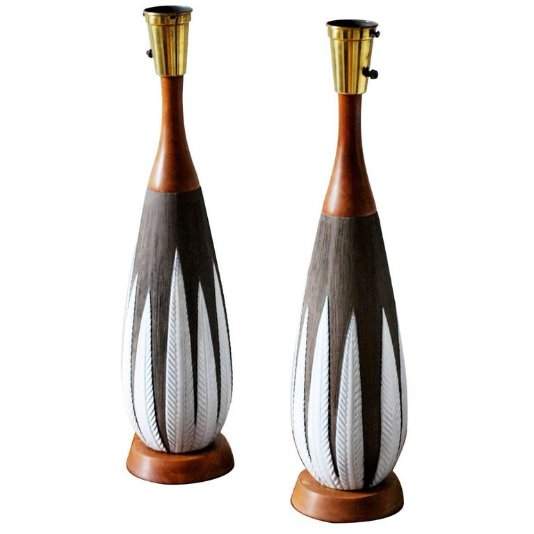 """Pair of Anna-Lisa Thomson for Upsala-Ekeby """"Paprika"""" Ceramic Lamps, 1940s For Sale"""