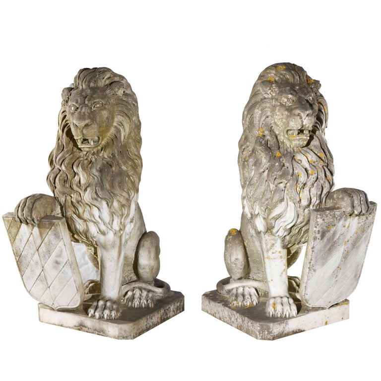 Pair of 19th Century Lions in Italian Marble