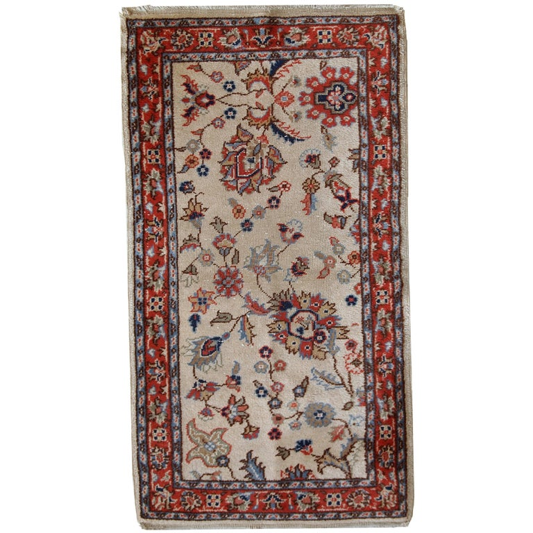 Handmade Vintage Pakistani Lahore Rug, 1950s For Sale At