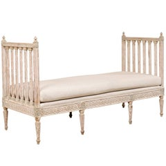 Swedish Period Gustavian Daybed Sofa Bench from the Late 18th Century in Cream