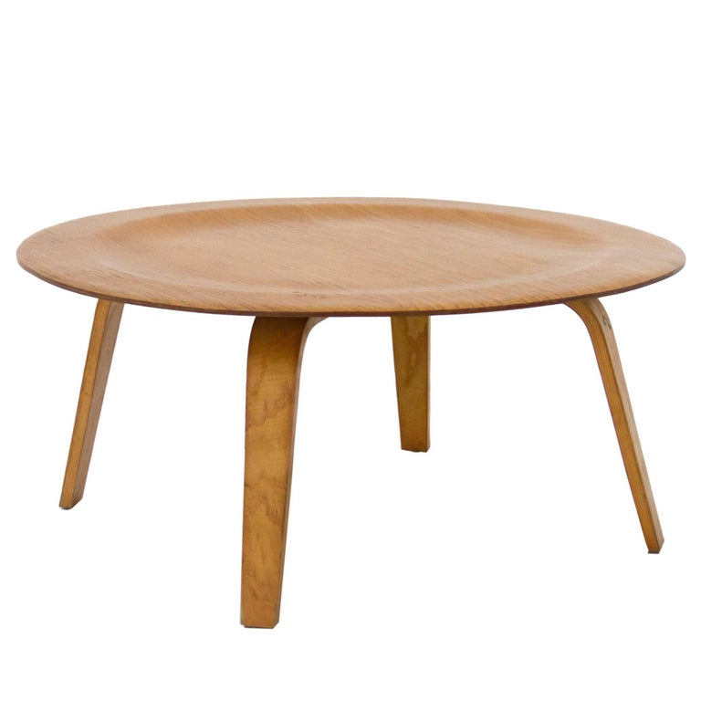 Charles And Ray Eames Coffee Table Model Ctw In Plywood 1940s United States For Sale At 1stdibs