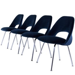 Set of Four Eero Saarinen for Florence Knoll Executive Side Chairs