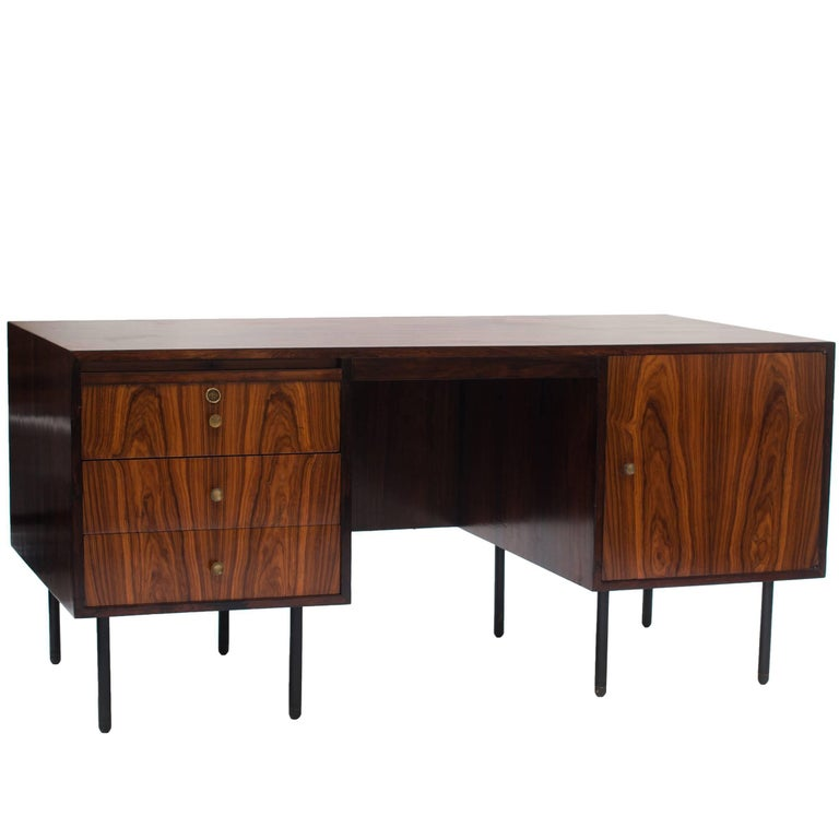 Midcentury brazilian writing table in Rosewood by Forma, 1960s For Sale