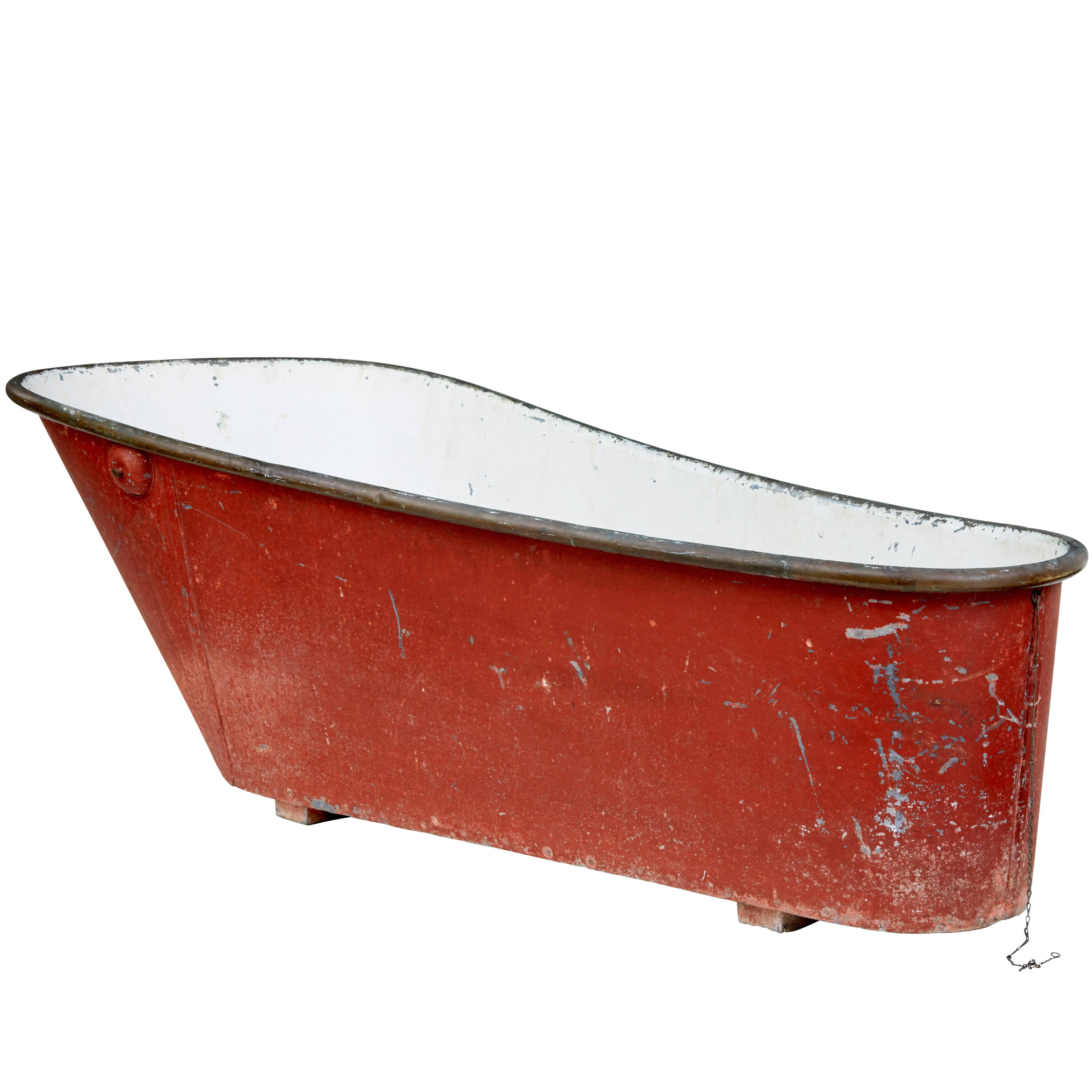 Late 19th Century Painted Copper And Tin Bath Tub For Sale