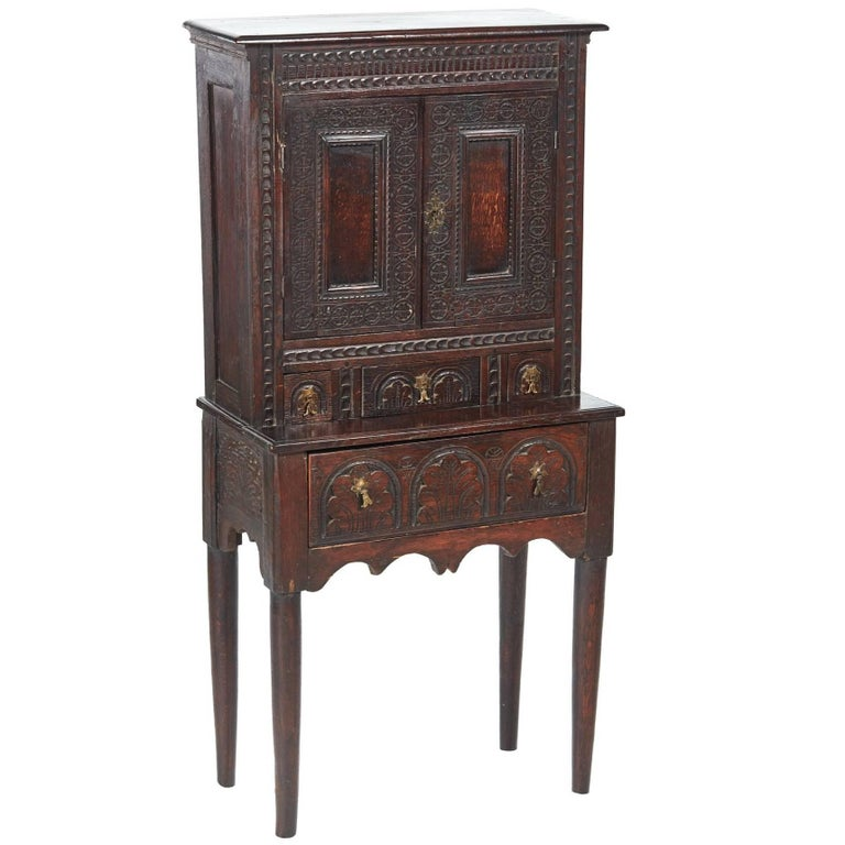 Small Antique Carved Oak Cupboard For Sale - Small Antique Carved Oak Cupboard For Sale At 1stdibs