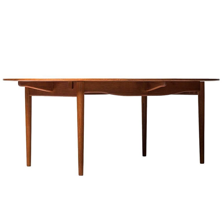 Finn Juhl Dining Table Model Judas Produced by Niels Vodder in Denmark