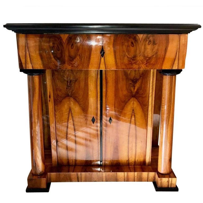 Biedermeier Half-Cabinet, Walnut Veneer, Germany circa 1820