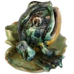 English Majolica Ceramic Frog Seated on a Leaf, circa 1900