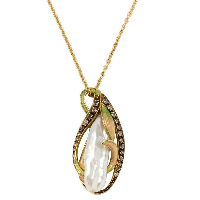 Art Nouveau Pendant Necklace with Gold Chain