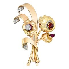 Retro Tricolored Gemstone Gold Flower Brooch