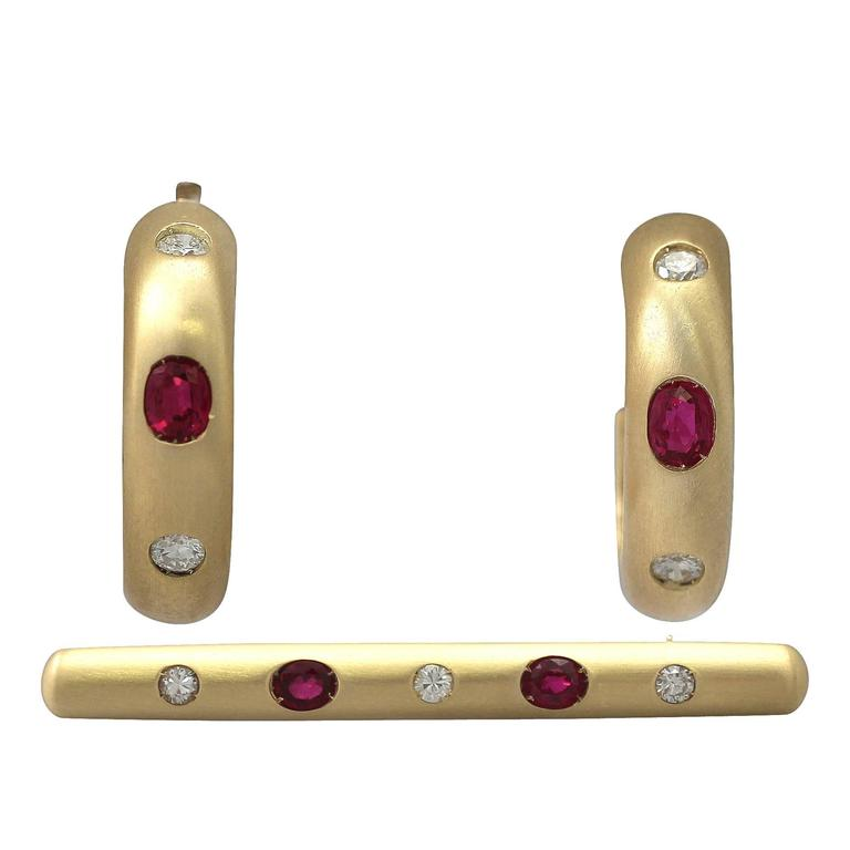 1.05Ct Ruby & 0.44Ct Diamond, 18k Yellow Gold Earring & Brooch Set - Vintage 1
