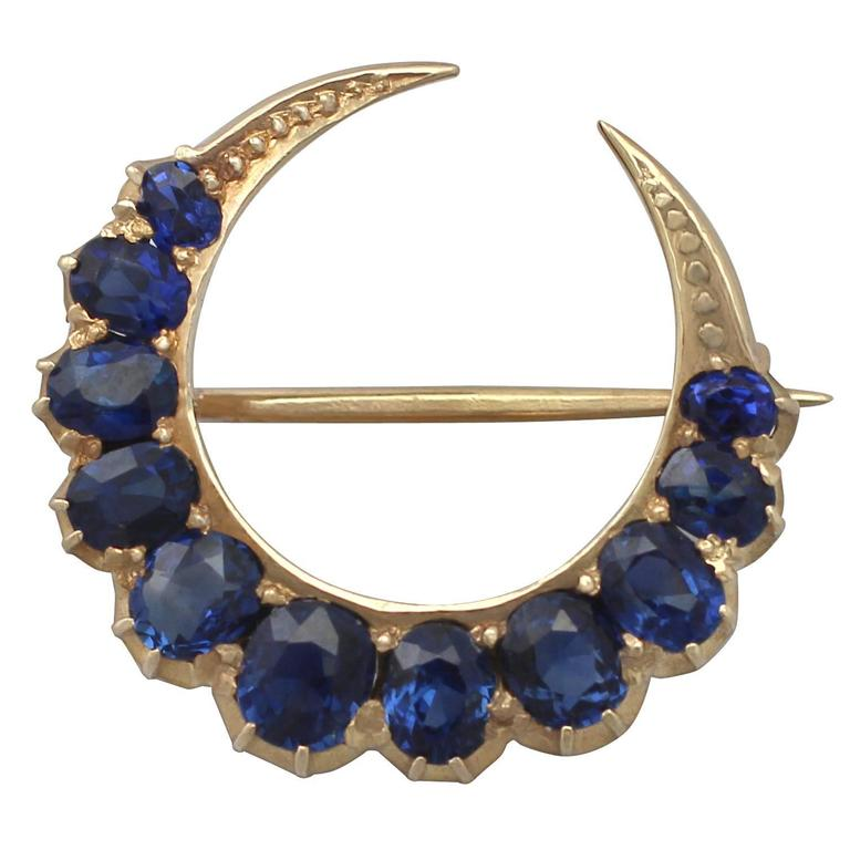 2.91Ct Sapphire and 18k Yellow Gold Crescent Brooch - Antique Circa 1890 1