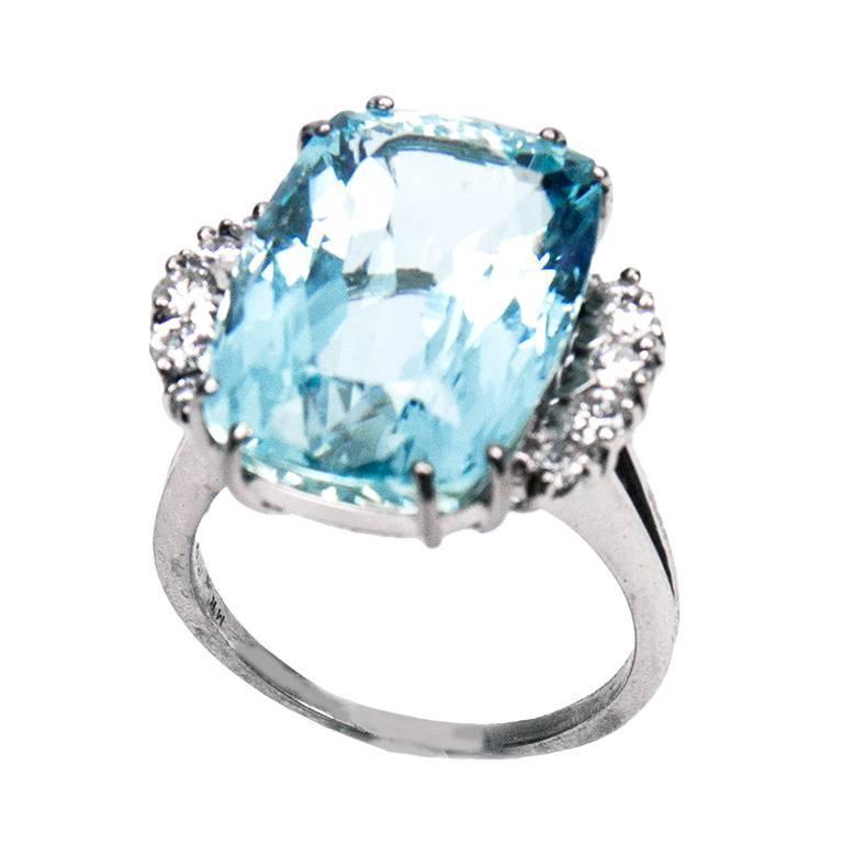 16.5 Carat Aquamarine Diamond Gold Ring