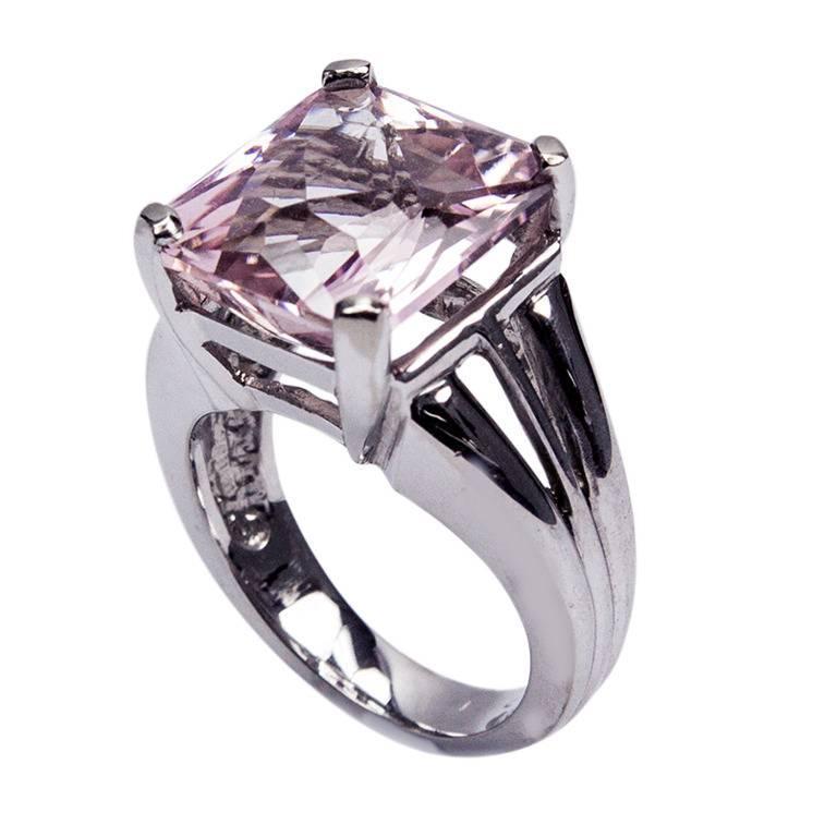 11 Carat Kunzite Gold Solitaire Ring