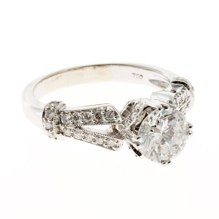 Crown Design Diamond Gold Engagement Ring 1