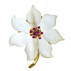 Rock Crystal Sapphire Gold Flower Brooch