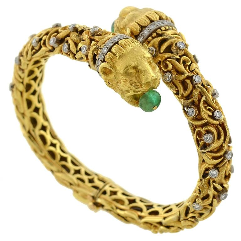 1960s Zolotas Emerald Diamond Gold Lion Bracelet For Sale