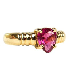 Pear Shape Rubelite Tourmaline in 18kt Yellow Gold Ring