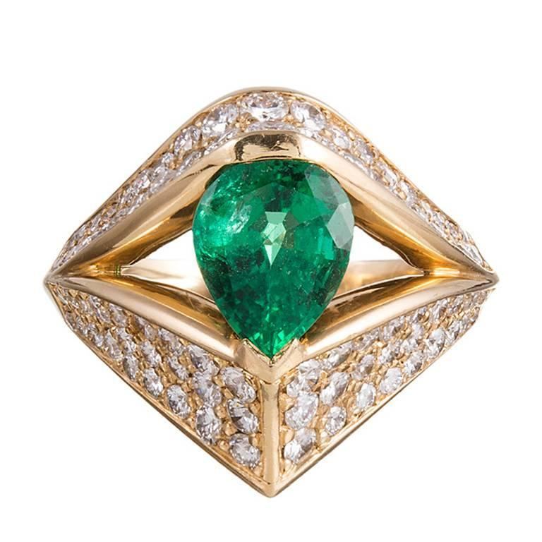feriozzi 1 68 carat pear emerald gold ring for