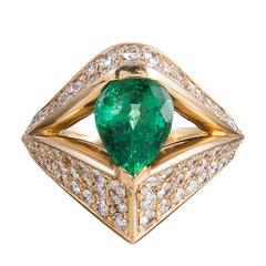 Feriozzi 1.68 Carat Pear Emerald Diamond Gold Ring