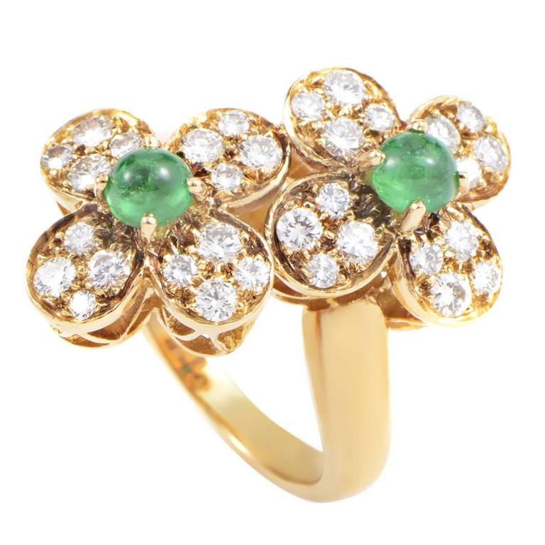 Van Cleef and Arpels Trefle Emerald Diamond Gold Flower Ring at