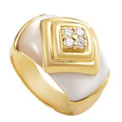 Van Cleef & Arpels Mother-of-Pearl Diamond Gold Ring