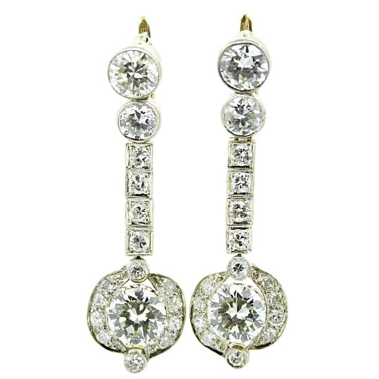 Art Deco 8 Carat White Diamond Yellow Gold Dangle Earrings
