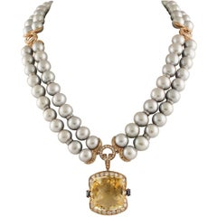 Square Topaz Grey Pearl Gold Necklace