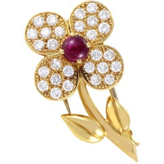 Van Cleef & Arpels Trefle Diamond Ruby Yellow Gold Flower Pin
