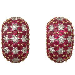 Contemporary 5.66 Ct Ruby 1.48 Ct Diamond, Yellow Gold Earrings