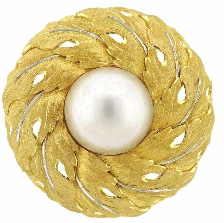 Buccellati Large Pearl Gold Round Brooch Pin