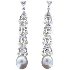 Claris.A 18 Karat White Gold Pearl Diamond Dangle Chandelier Earrings