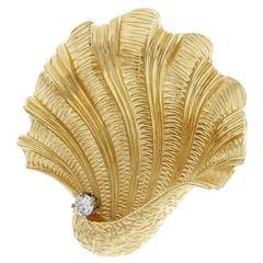 Tiffany & Co. Diamond Textured Gold Shell Brooch