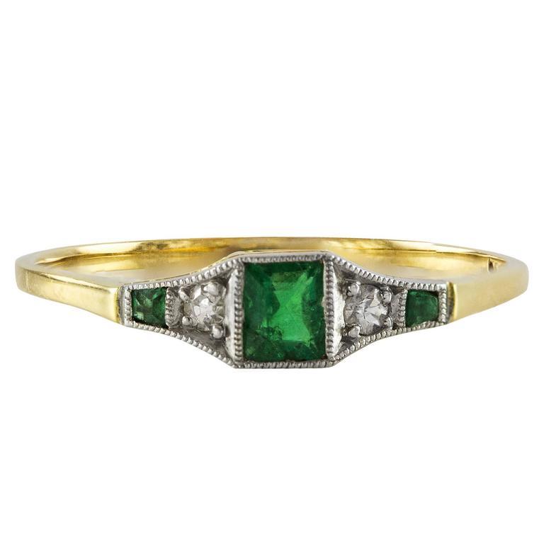 Antique Emerald Diamond Gold Ring